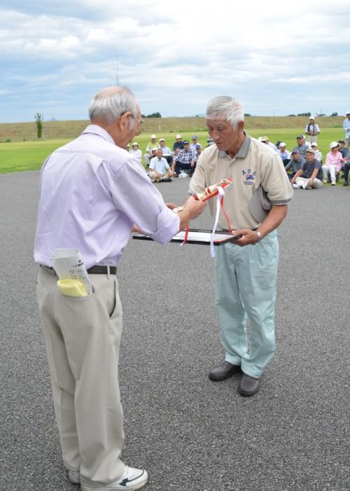 優勝した斎藤清一さん。